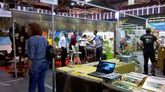 Outro estande brasileiro: agências, hotelaria e artesanato representados