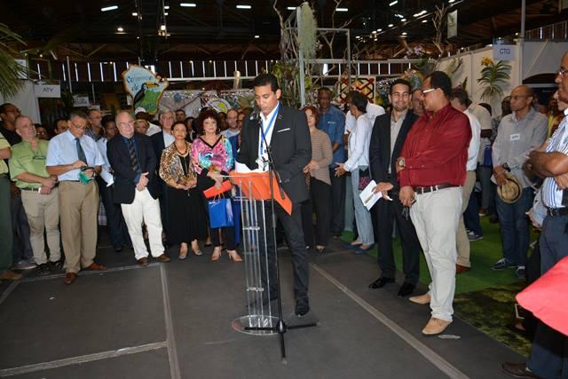Alex Madelene abre o Salão de Turismo da Guiana. Fotos: Humberto Baía