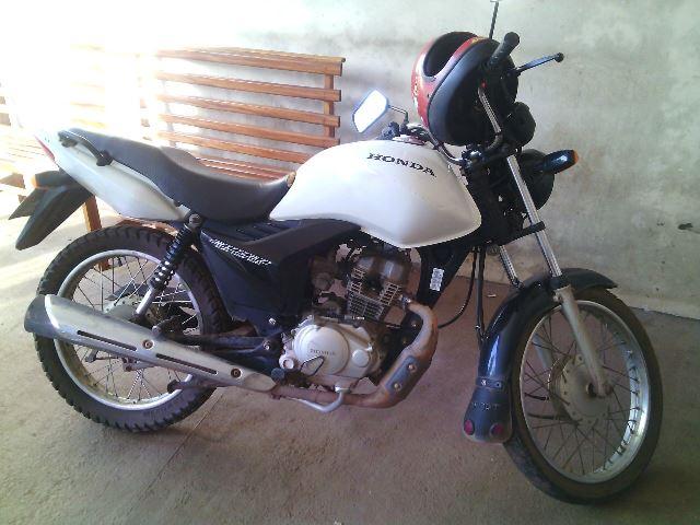 Moto usada pela dupla