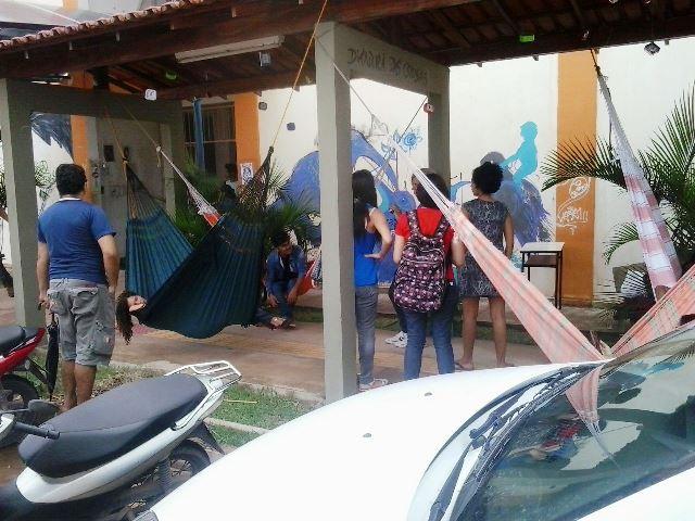 Estudantes ataram as redes no corredor do Centro de Artes, Letras e Jornalismo. Fotos: Manoel do Vale