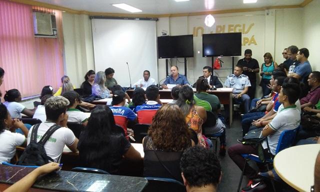 Comissão de Educação da Assembleia Legislativa do Amapá recebeu os estudante na manhã dessa segunda, 30