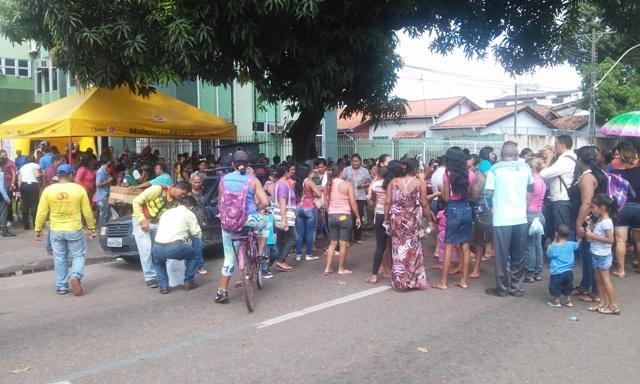 Beneficiário fizeram protesto na Avenida FAB. Fotos: Cássia Lima
