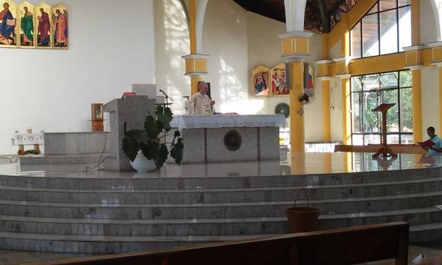 Missa celebrada pelo bispo de Macapá, Dom Pedro Conti