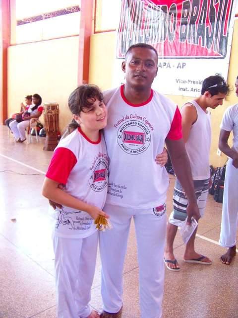 Com o professor Auricélio, mestre de capoeira de Alice