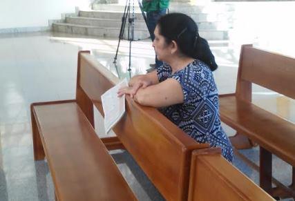 Dicélia, de 62 anos, não perde uma missa de Corpus Cristh