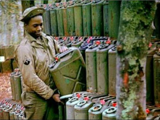 Foto tirada na época da guerra mostra o mesmo material
