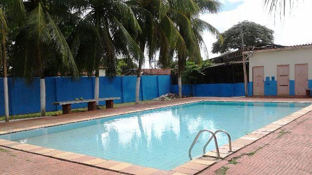 Espaço conta com piscina para atividades com os alunos