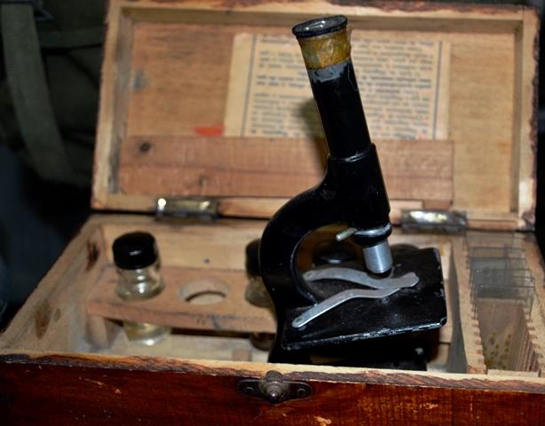 Microscópio com as lâminas