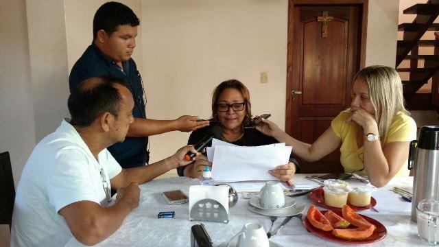 Maio deste ano: Dalva concede entrevista coletiva para explicar episódio dos uniformes. Foto: Arquivo