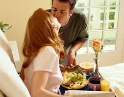 Demonstrar amor não é apenas levar café cama, é cuidar