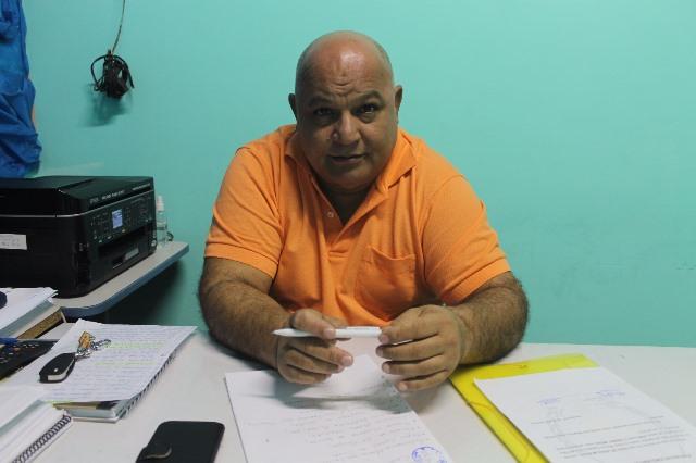 Diretor da escola, Abdiel Rodrigues: 3 assaltos. Fotos: Valdeí Balieiro