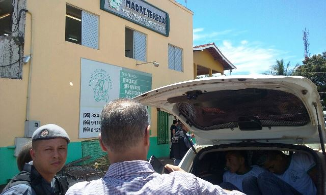 Criminosos entraram sem problemas na escola. Fotos: Olho de Boto