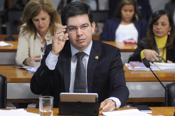 Senador Randolfe. Intenções de Romero Jucá são claras. Foto: arquivo