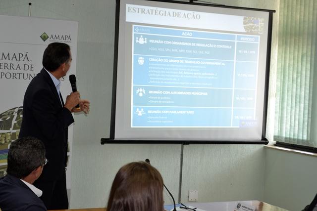 Governador detalhou a estratégia do processo que terá acompanhamento do terceiro setor. Fotos: Seles Nafes