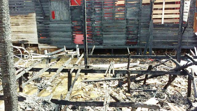Destroços da casa em que Lene Garcia. Foto: Valdeí Balieiro