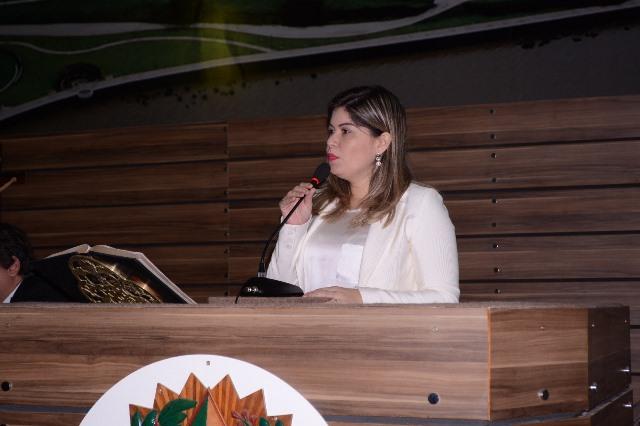 Vereadora Aline Gurgel. Fotos: