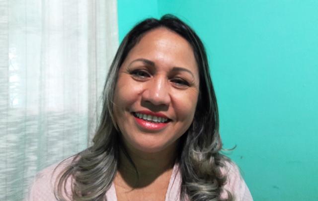 Zilma é professora do Estado há mais de 21 anos. Fotos: Seles Nafes