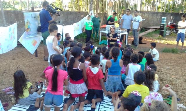 Crianças participaram de contação de histórias