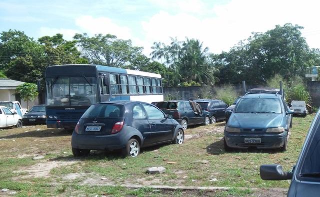 Carros recolhidos para o pátio da CTMac