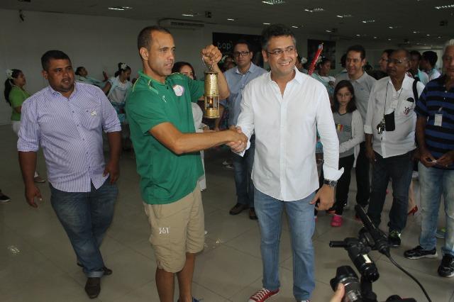 Chama foi recepcionada pelo prefeito de Macapá, Clécio Luis
