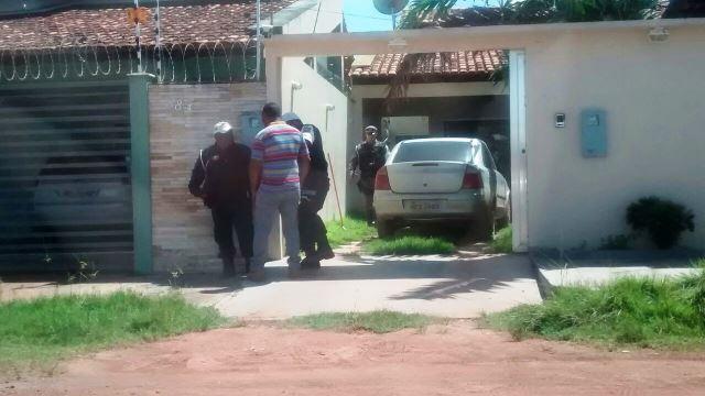 Motorista acusado de causar o acidente se refugiou em uma casa, mas foi colocado para fora pela proprietária. Foto: CTMac