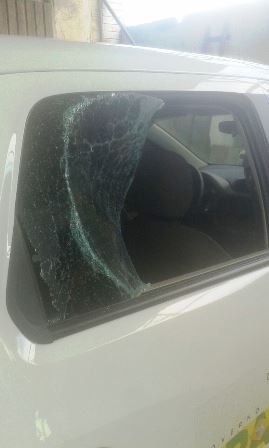 Vidros do carro foram quebrados depois de ter sido apreendido. Fotos: BPRu