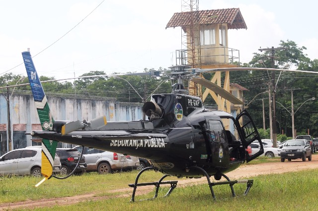 Helicóptero pouso na área do Iapen
