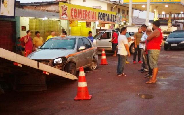 Táxi estava estacionado próximo da ponte do Igarapé da Fortaleza