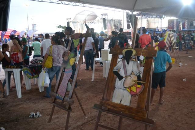 Exposição de obras amapaenses