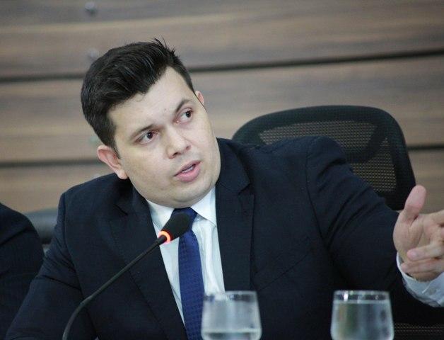 Presidente Acácio Favacho apresentou o vereador Aldrin