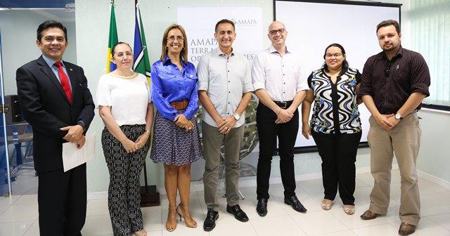 Representantes do Amapá com a equipe do Hospital de Barretos