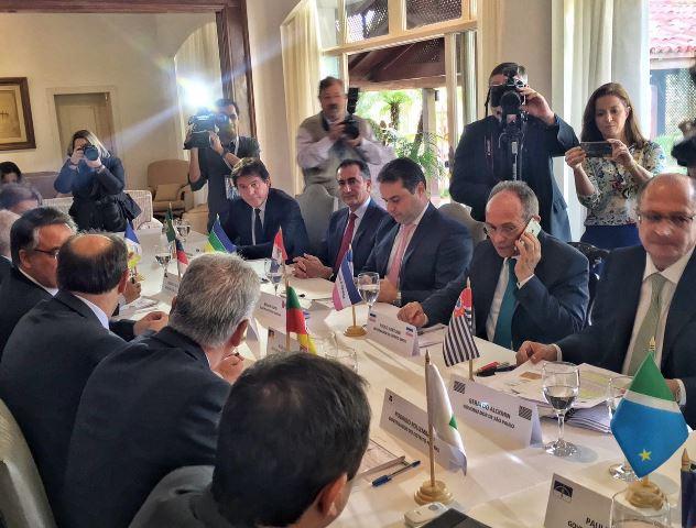Waldez em encontro de governadores: expectativa de ter fôlego maior foi frustrada. Fotos: Secom