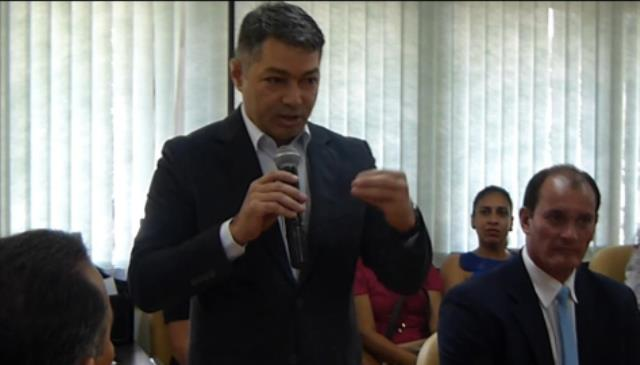 """Procurador Geral do Estado, Roberto Alvares: """""""