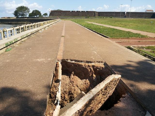 Cratera ainda não foi fechada. Fotos: André Silva