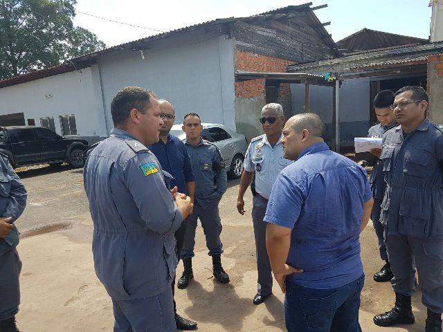 Presidente da Comissão de Direitos Humanos da Alap, deputado Pedro DaLua esteve reunido com militares do 2º BPM