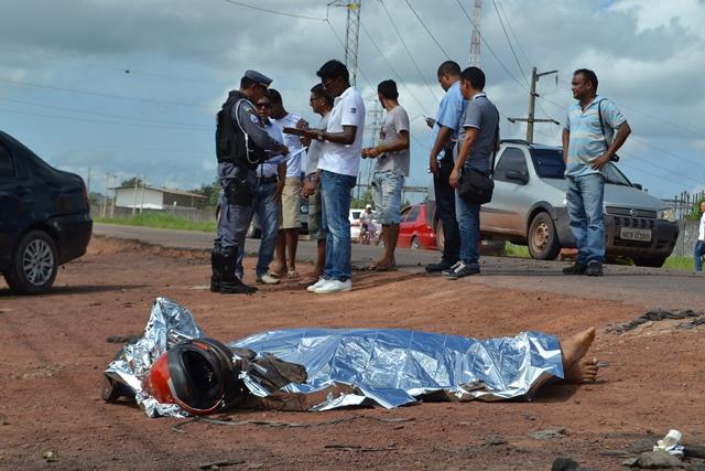 A vítima morreu ainda no local com ferimentos graves na cabeça
