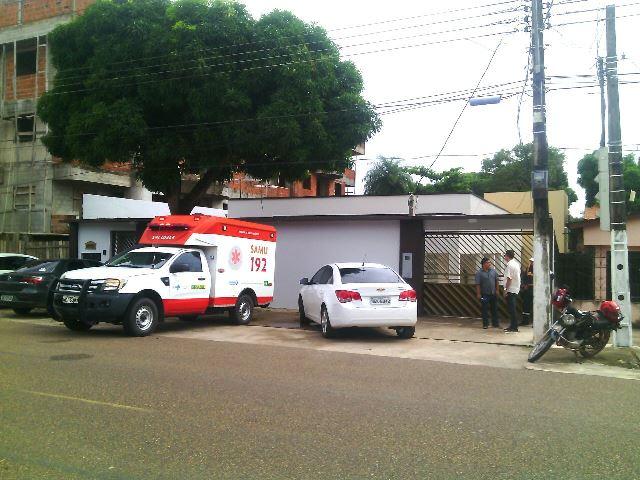 A mãe do prefeito precisou ser atendida por uma ambulância do Samu. Fotos: Olho de Boto
