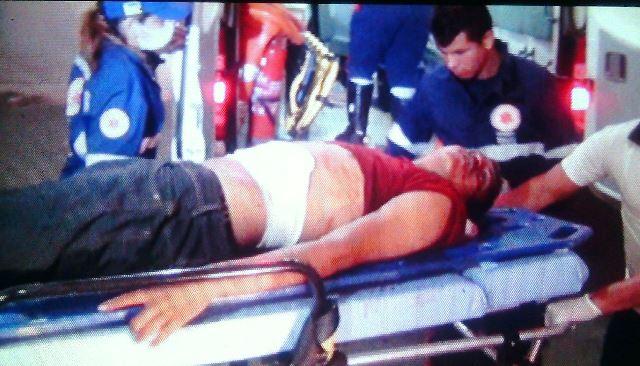 Mesmo sem vida, a vítima foi levada para o Hospital de Emergência. Fotos: Olho de Boto