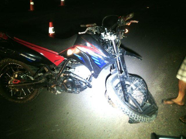 Motocicleta era conduzida em alta velocidade, segundo a PRF. Fotos: Olho de Boto