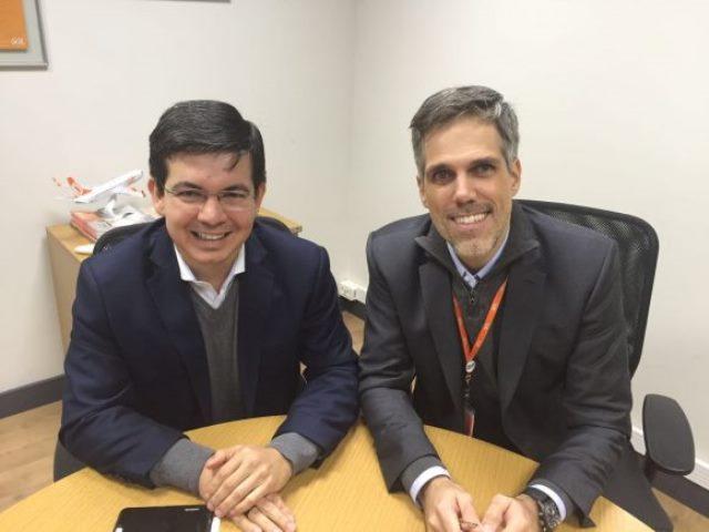 Senador Randolfe e o presidente da Gol, Paulo Sérgio Kakinoff. Foto: Divulgação