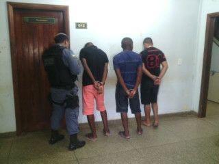 Um dos acusados tem passagem pelo Iapen por tráfico de drogas. Fotos: Olho de Boto