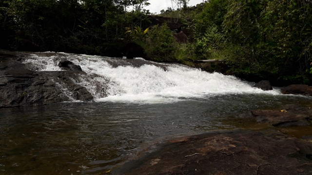 Corredeira ganhou o apelido de Cachoeira do Traíra