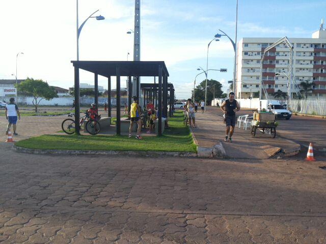 Mais de 500 pessoas praticam alguma atividade física no entorno do Estádio Zerão