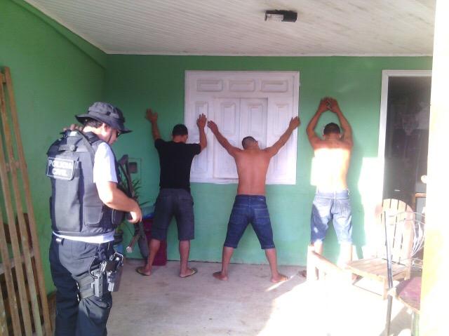 Ao todo a polícia cumpriu 27 mandados de prisão