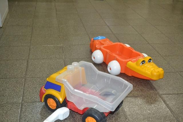Brinquedos emprestados por policiais civis às crianças