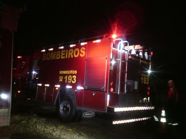 Quando os bombeiros chegaram, as chamas já estava muito altas