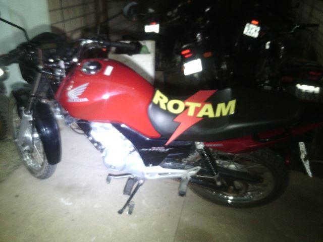 Moto foi apreendida no Zerão. Fotos: Olho de Boto