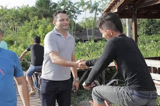 Ofirney iniciou a campanha visitando eleitores de Santana