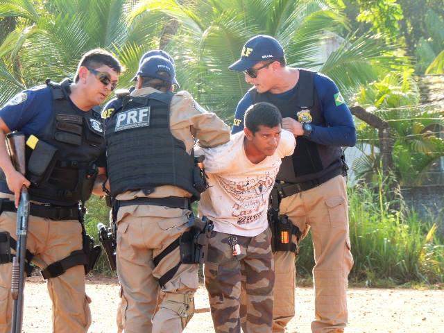 No total, duas pessoas foram presas
