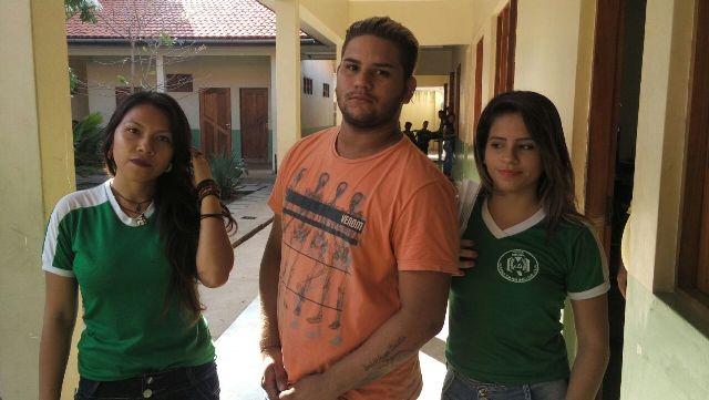 Grupo de alunos denuncia o próprio poder público como verdadeiro responsável pelos problemas na escola